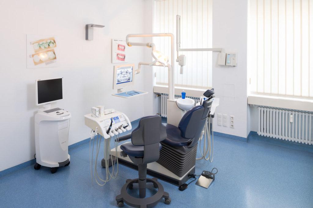 Behandlungszimmer bei Zahnmedizin am Siegestor